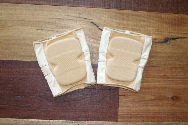 Vinyl Grip Knee Pads Nude