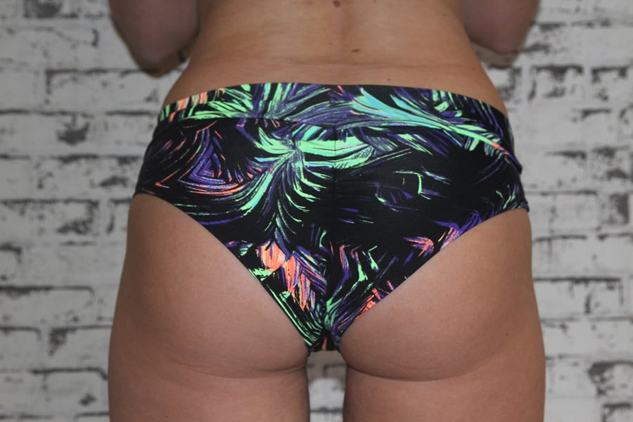 Whisper BRAZIL Fit Scrunchie Bum Shorts