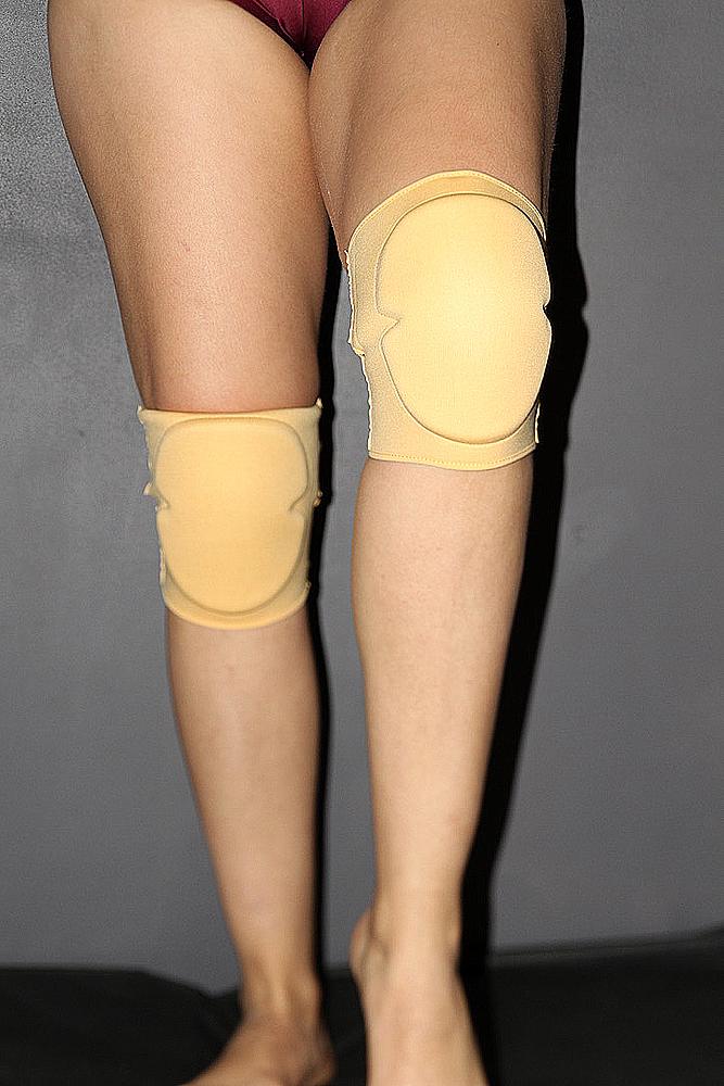 Rarr Designs Neoprene Vinyl Grip Knee Pads Nude
