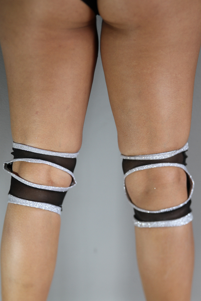 Rarr designs Glitter SILVER Spandex Vinyl/Mesh Grip Knee Pads
