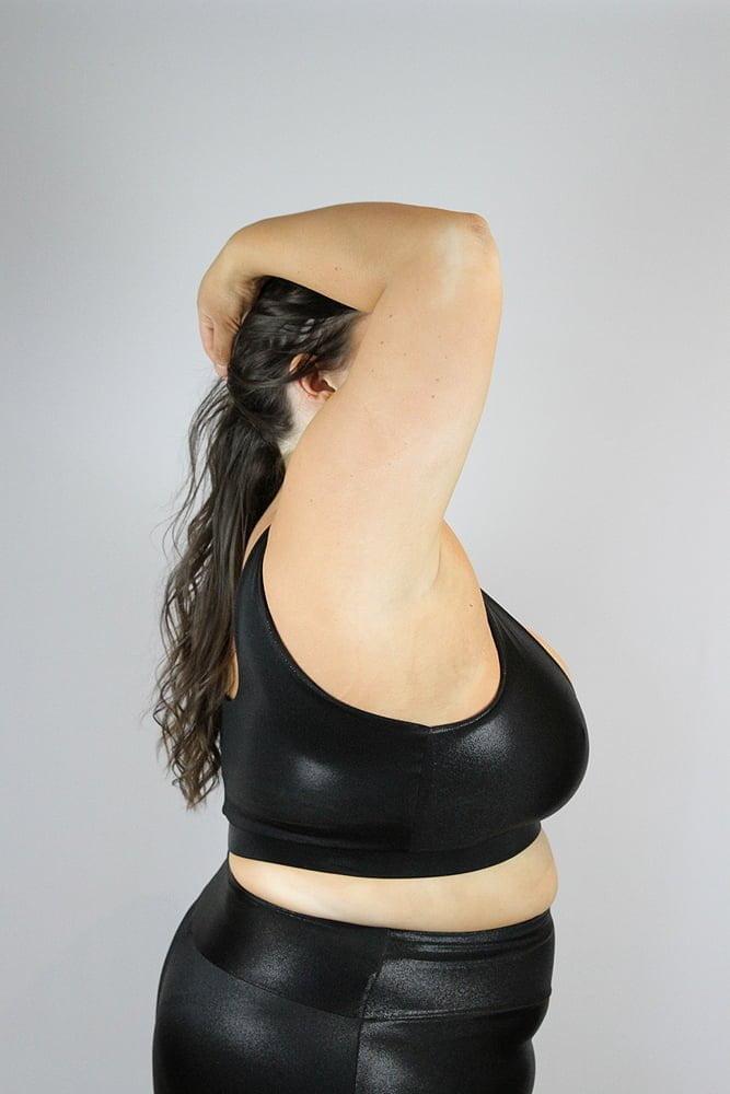 Black Sparkle Sweet Scoop Sports Bra - Plus Size